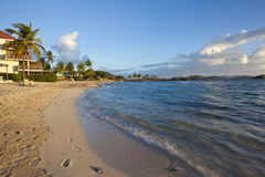 Sunrise at a tropical beach in the Caribbean Royalty Free Stock Photos