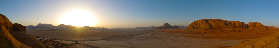 Sunrize in wadi rum. A beautiful sunrise in wadi rum Royalty Free Stock Photo