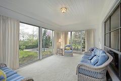 Sunroom avec la vue de patio Photographie stock