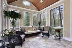 Sunroom na casa luxuosa fotografia de stock