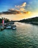 Sunset湖在巴黎 免版税图库摄影
