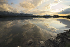 Sunset at an alpine lake Royalty Free Stock Photography