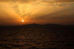 Sunset. Beautiful gold sunset in the sea Royalty Free Stock Photography