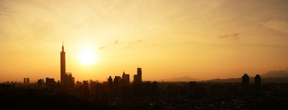 Sunset cityscape in Taipei Royalty Free Stock Images