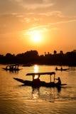 Sunset Dal湖在斯利那加,克什米尔,印度 库存照片
