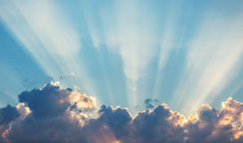 Sunset dramatic sky clouds with sunbeam Royalty Free Stock Photography