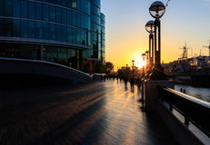 Sunset forms Silhouette of Thames sidewalk Royalty Free Stock Photos