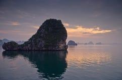 Sunset at Halong bay Royalty Free Stock Photos