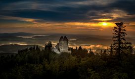 Free Sunset In Kasperk Castle, Sumava, Czech Republic. Cold Day In Sumava National Park, Hills And Villages In The Fog, Misty View On Royalty Free Stock Photos - 166406528