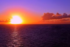Sunset over the ocean Royalty Free Stock Photography