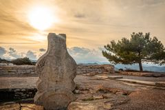 Free Sunset Over The Ancient Stone Monument At Vouni Palace, Guzelyur Royalty Free Stock Photography - 134330737