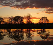 Free Sunset Over The River Royalty Free Stock Images - 2567219
