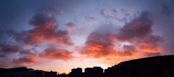 Sunset panorama sky and vibrant clouds Royalty Free Stock Images
