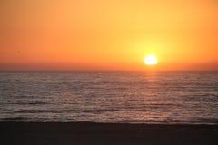 Sunset Playa de Hornitos en el Norte de智利 免版税库存图片