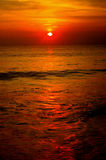 Sunset reflecting in ocean Royalty Free Stock Photos