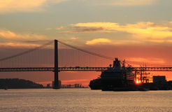 Sunset on river Tejo (Lisbon) Royalty Free Stock Photography