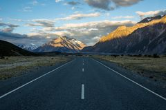 Sunset on the road to Tasman Glacier in the Southern Alps of New Stock Photo