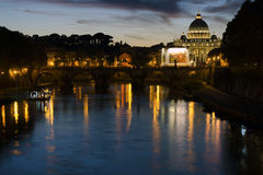 The sunset with the Saint Peters Basilica Royalty Free Stock Photos