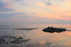 Sunset seascape during low tide royalty free stock photos