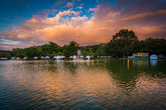Sunset sky over the lake at Freedom Park, in Charlotte, North Ca Royalty Free Stock Photography