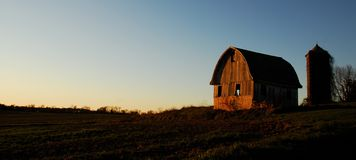 Sunset in the Valley. Last light on an old barn in the Brandywine Valley, PA Stock Photo