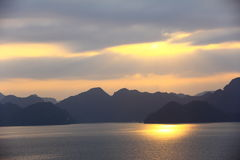 Sunset view in Ha Long Bay Royalty Free Stock Photos