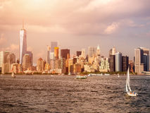 Sunset with a view of the Manhattan skyline Royalty Free Stock Images