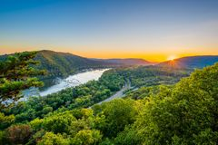 Free Sunset View Of The Potomac River, From Weverton Cliffs, Near Harpers Ferry, West Virginia Stock Photo - 147491350