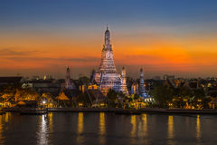 Sunset at Wat Arun temple in Bangkok Royalty Free Stock Images