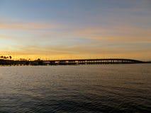 Sunseting над рекой ламантина стоковые изображения rf