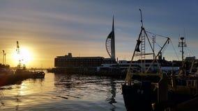 Sunseting sopra vecchia Portsmouth immagine stock libera da diritti
