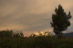 Sunsets montain στοκ εικόνες