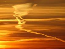 Sunsets is mooi in nacht op het overzees Royalty-vrije Stock Afbeelding