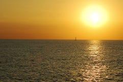 Sunsetting auf dem Pazifik Lizenzfreie Stockbilder