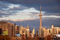 Sunsetting en la selva urbana de Toronto Fotos de archivo