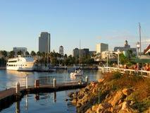 Sunsetting langs Oeverdorp, Regenbooghaven, Long Beach, Californië, de V.S. Royalty-vrije Stock Afbeeldingen