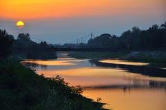 Sunsetting op een rivier Royalty-vrije Stock Afbeelding