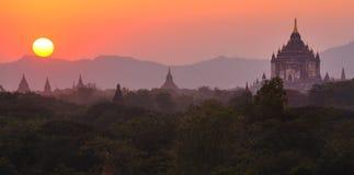 Sunsetting sopra bagan, myanmar (Birmania) Fotografie Stock Libere da Diritti