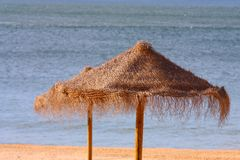 sunshades słomiany widok Zdjęcie Stock