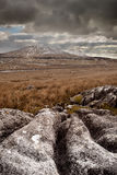 Sunshowers au-dessus d'Ingleborough Photos stock