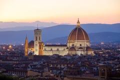 Sunst sikt av domkyrkan Santa Maria del Fiore, Florence Arkivfoto