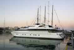 Sunstet и роскошная моторная лодка Стоковое Изображение