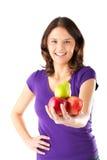 Sunt äta - kvinna med äpplen och pearen royaltyfri foto