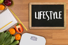 Sunt för äta för livsstilonline-webpage kallt investerar sund mat Royaltyfri Fotografi