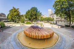 Sunt kochbrunnen i Wiesbaden, Tyskland Royaltyfria Foton