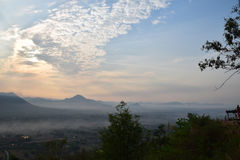 Sunup przy Chiang Kan okręgiem, Loei prowincja, Tajlandia fotografia stock