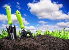 Suolo del giardino degli strumenti sulla natura Fotografia Stock Libera da Diritti
