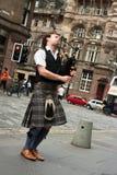 Suonatore di cornamusa della via di Edinburgh Fotografie Stock Libere da Diritti