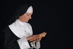 Suora di preghiera Fotografia Stock Libera da Diritti