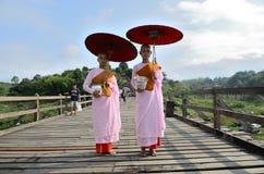 Suore buddisti lunedì. Immagini Stock Libere da Diritti